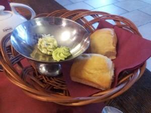 Chorzów: restauracja La Pasion. Bułeczki na początek