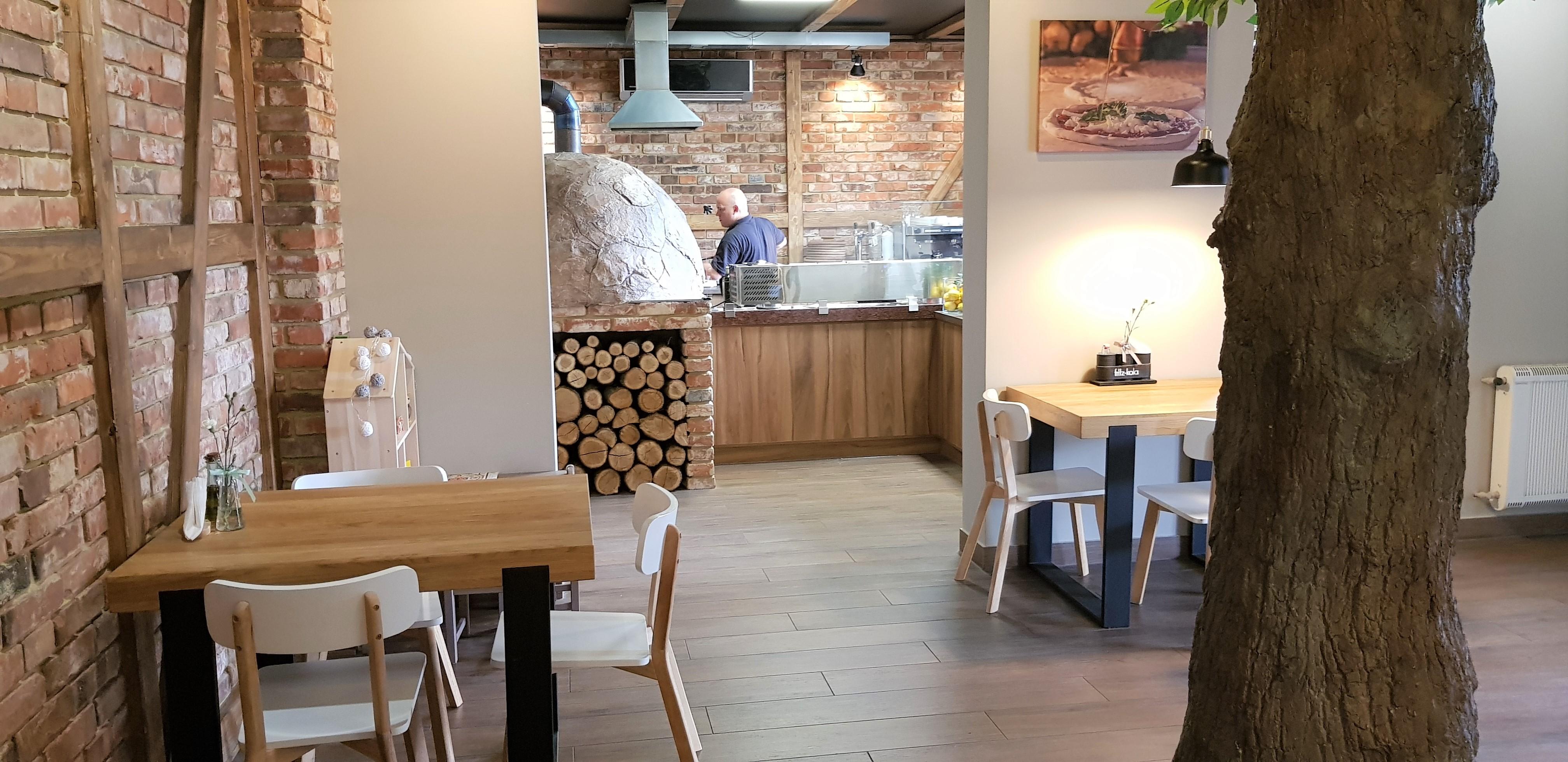 Silesia Smakuje Ruda Slaska Restauracja Wloska I Pizzeria Hajcujemy Na Halembie Wlosko Slaskie Klimaty