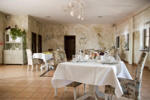Świerklaniec: Restauracja Lawendowy Ogród. Sala różana