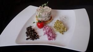 Lubliniec: Restauracja Hotelu Zamek Lubliniec. Tatar ze śledzia bałtyckiego
